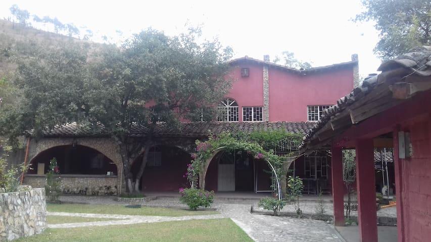 """"""" Villa el Refugio"""" Hospedaje Rural"""