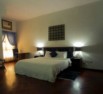 Cozy En-suite Room2 in Modern estate Ikoyi