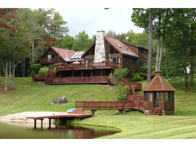 Perfect 7BR Log Estate on 60 Acres with a Lake.