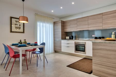 Studio Apt. brand new very central in St.Julians.