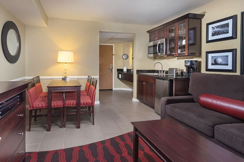 One Bedroom Hotel Suite With Kitchenette 2 Resorts For