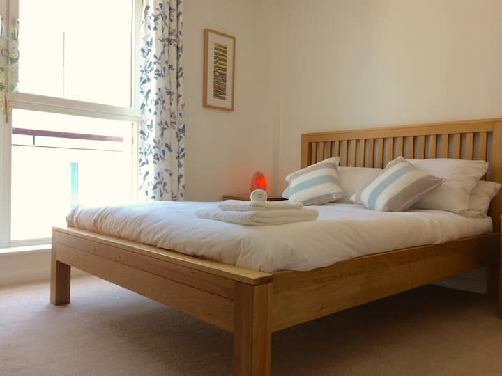Bright 1 bed apartment at the heart of the city