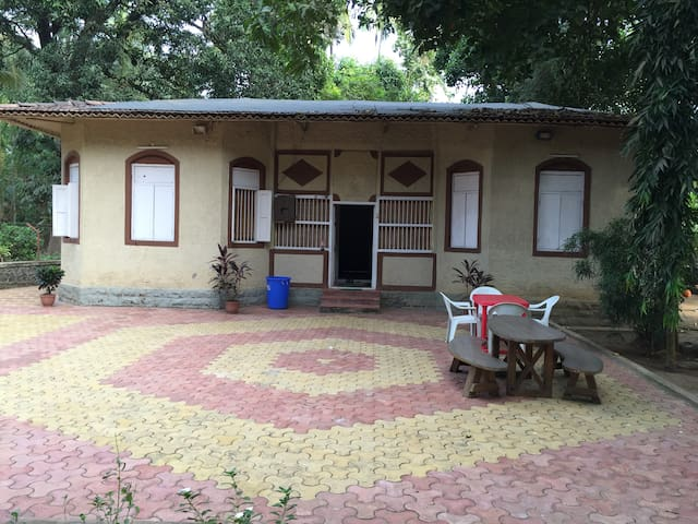 Lilly Vacations -Kihim (Alibaug) - Kihim - Apartment