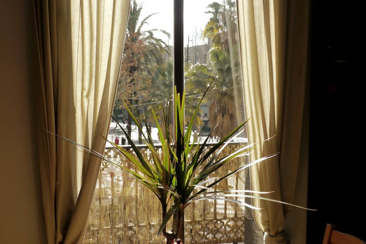 Double bedroom in Barcelona Center: girls/couples!