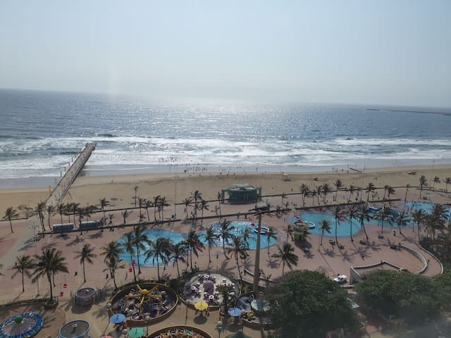 Durban Beachfront Holiday Apartment with Balcony