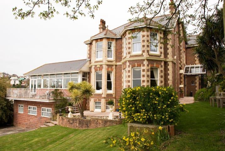 Summerhill |Hotel, Goodrington Beach Paignton