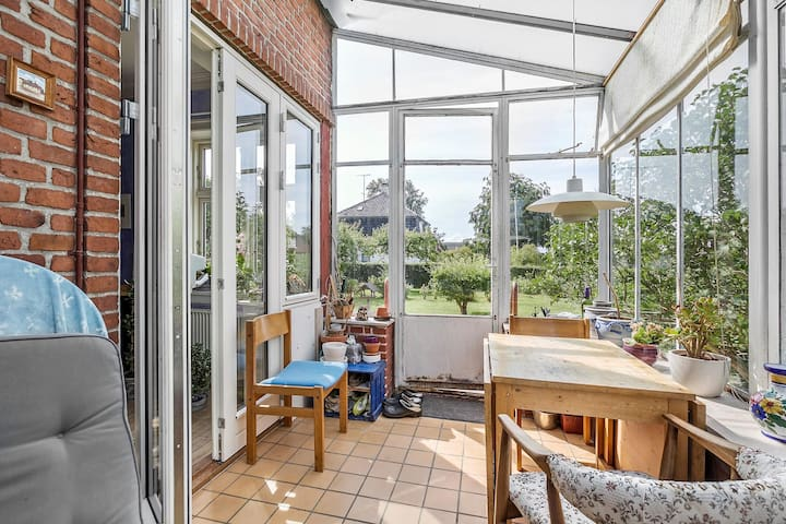 Family-friendly house with pleasant atmosphere