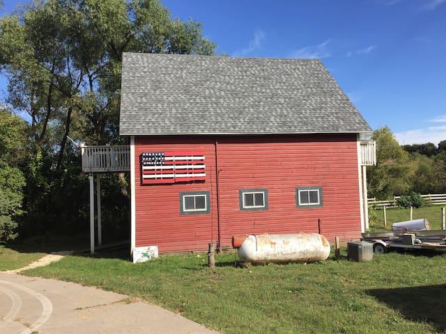 Cozy Barn Loft - McClelland - Vindsvåning