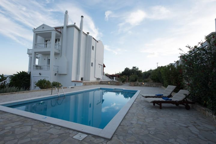 Luxury Villa Amvrosia, seafront with swimming pool