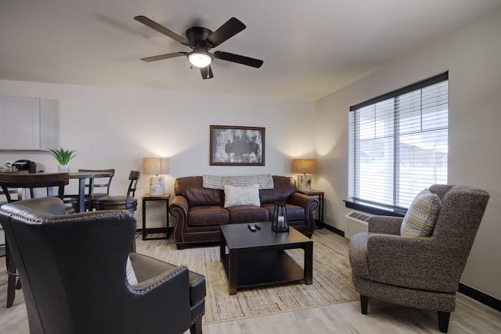 Copper King Extended Stay Collection - 2 Bedroom Duplex