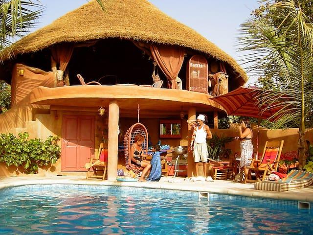 La Case Girafe - chez Bernard en Casamance -CH2
