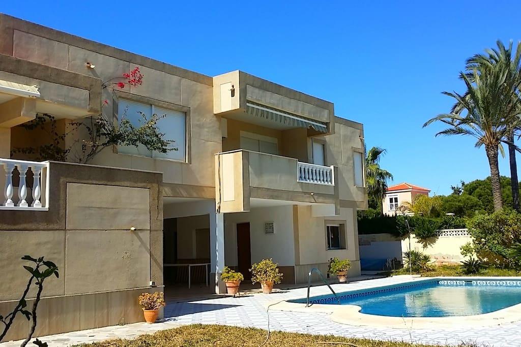 Вилла 6 спален 100 м до пляжа Ла Зения Villas For Rent
