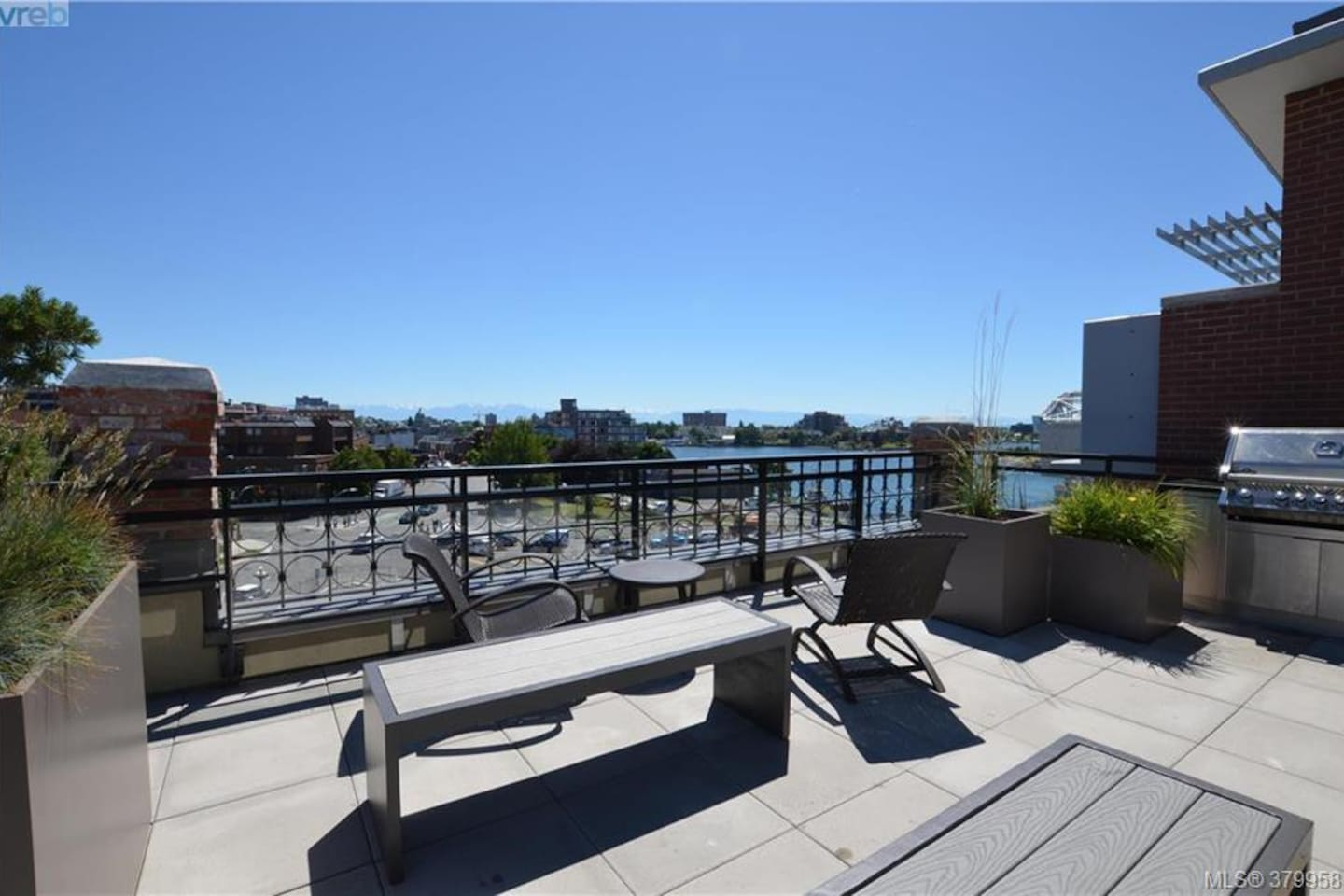 Large common shared rooftop patio