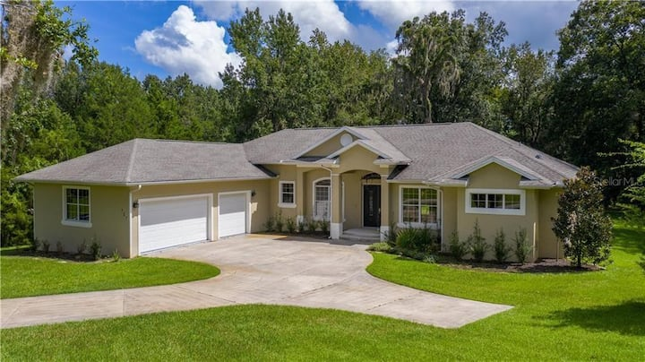 Gorgeous home * 3 Minutes to WEC! * 3 Bedroom