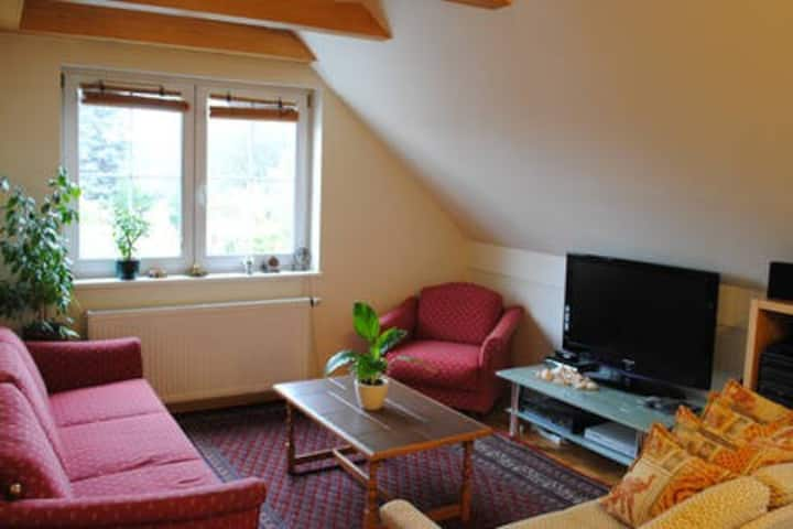 NEAR CASTLE BEAUTIFUL FLAT,3 BEDROOMS,2 BATHROOMS
