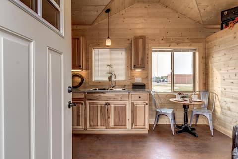 Tiny House on a runway Cabin 2