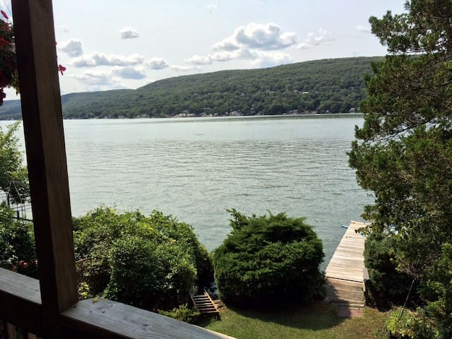 Lakefront home.  Great views. Close  to skiing. - Greenwood Lake - Kabin
