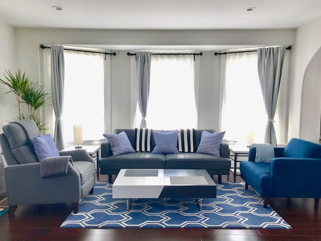 Modern and spacious room in newly renovated home
