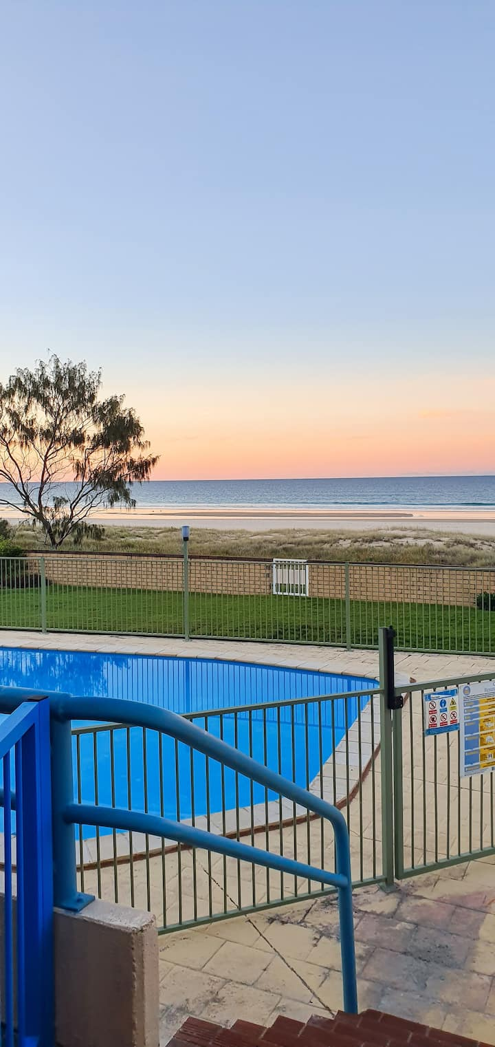 Tugun Beachside Abode Bikes & surfboards included