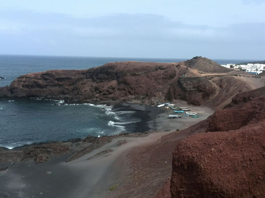 En solo 10 minutos llegamos a el Golfo, sitio para deleitarse con sus bellos paisajes y pasar un día inolvidable.