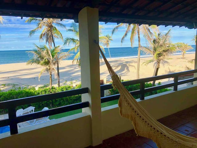 Great beachfront Villa at Cumbuco