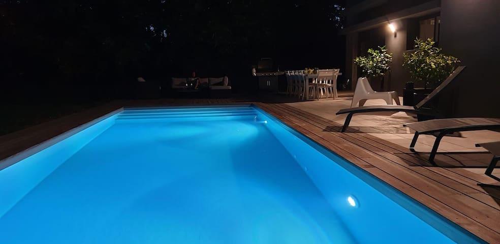 Chambre privée avec accès piscine