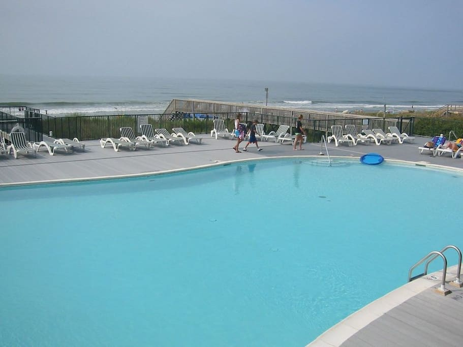 Large Isles Beach Club Pool