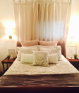 Rated Chicago's #1 Neighborhood!! - Chicago - Apartment