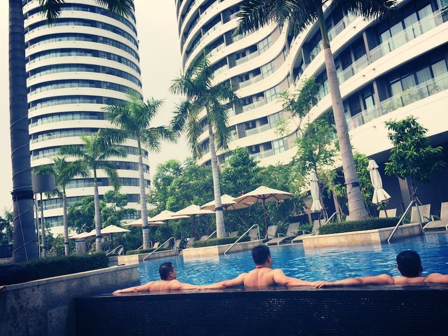 Enjoy our resort like pool every day with my brothers. CityGarden has best private and clean pool