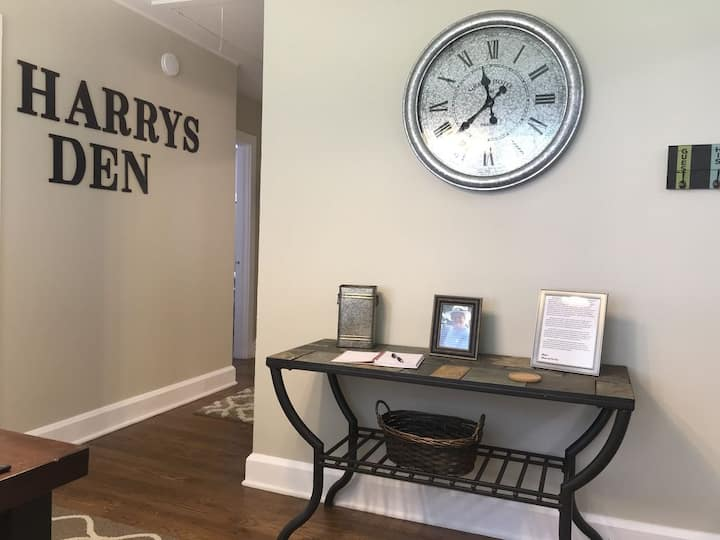 Harry's Den