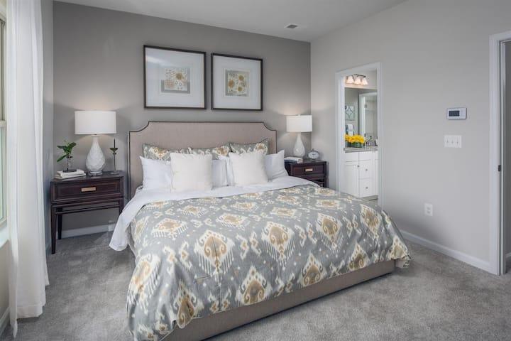 Luxury bedroom near Washington DC