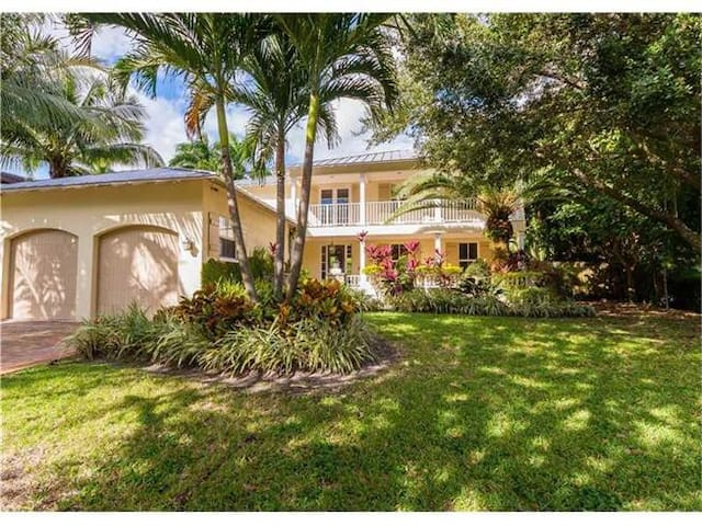 Coral Gables/ 5 bedroom Luxury Family House w/pool - South Miami - Dům