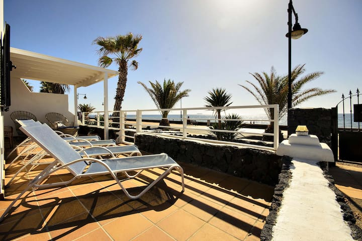 Casa La Malondra, the luxury beach house - Puerto del Carmen - House