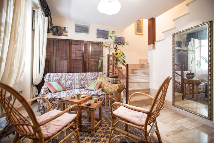 Vintage & Cosy Flat - City Center - Sassari - Apartamento