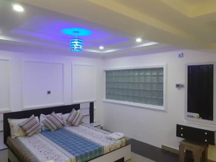 Exquisite Serviced Room and ParlourApartment
