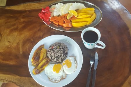 Cabin by the beach with breakfast - Puerto Jiménez - Oda + Kahvaltı