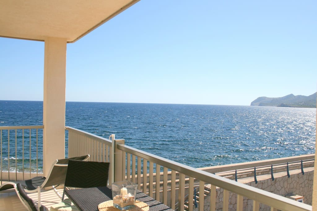 atemberaubender meerblick 7006 apartments for rent in cala ratjada islas baleares spain. Black Bedroom Furniture Sets. Home Design Ideas