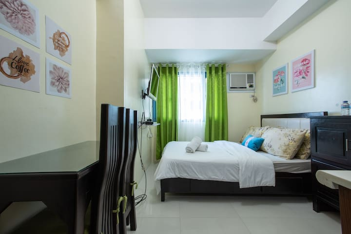Your Plaće at the heart of Manila -Comfy Studio