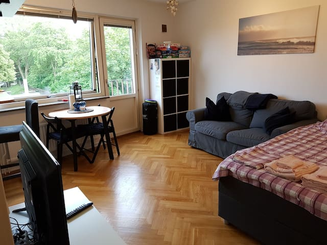 Cozy apartment, 10 min from the city center