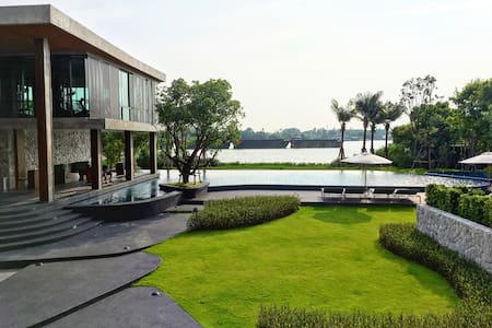 51sqm. Riverview on sunken balcony - Bangkok - Condominium