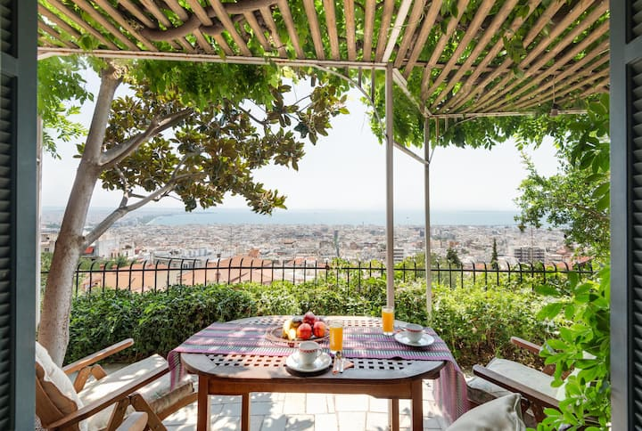 Ano Poli stay with private terrace and view