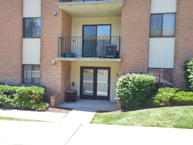 Full condo, plenty of room; 2 beds/2 baths - Catonsville - Wohnung