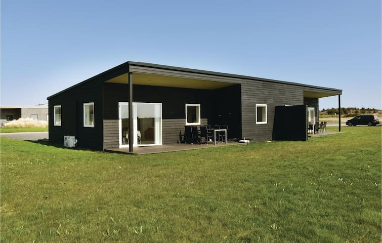 Semi-Detached with 3 bedrooms on 80m² in Ringkøbing