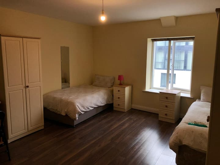 En suite room in the heart of Cork City_Rm 6
