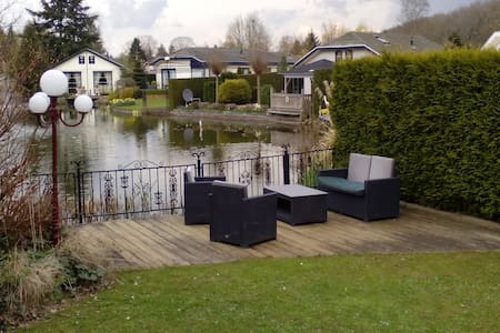 Nice holidayhouse 5 bed 3 rooms near Golf course - Voorthuizen - Chalet