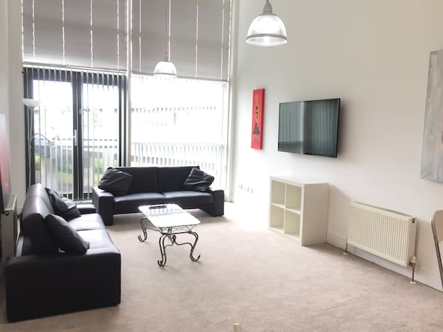 Luxury 3 bedroom apartment, Glasgow City.