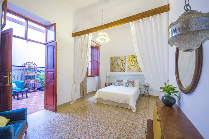 Silvia room in typical canary home - Las Palmas de Gran Canaria - Bed & Breakfast