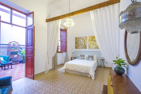 Silvia room in typical canary home - Las Palmas de Gran Canaria
