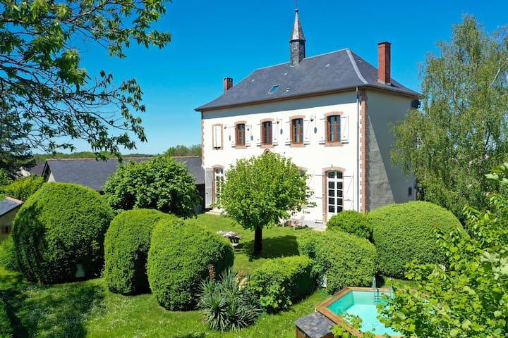 Unique Holiday Villa in the Corrèze