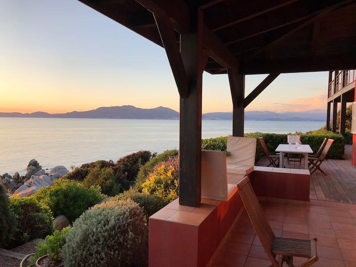 Villa de bord de mer au sud du golf d'Ajaccio